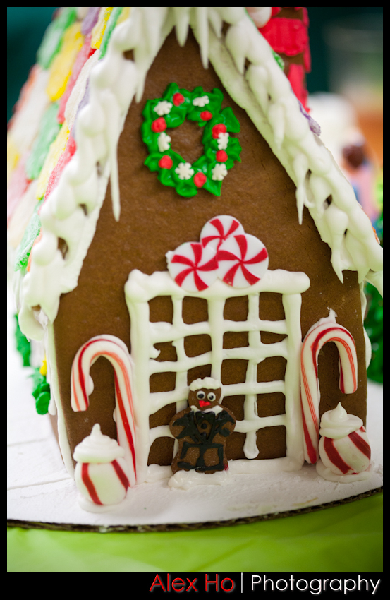 candy cane Gingerbread Houses for Christmas!
