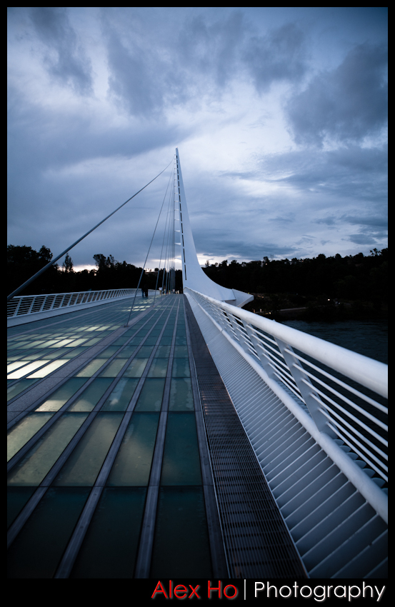 sundial bridge walkway evening
