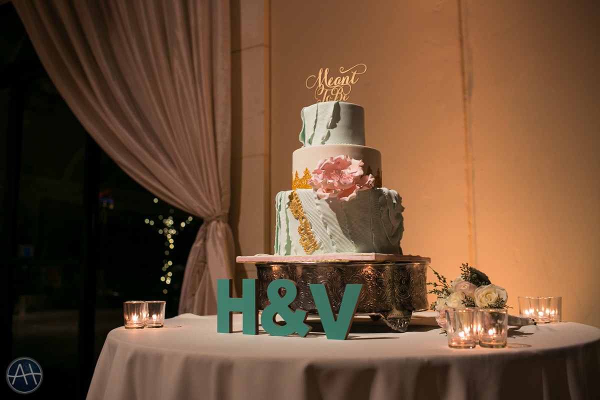 casa real wedding cake