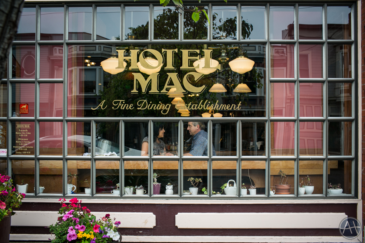 hotel mac bar restaurant